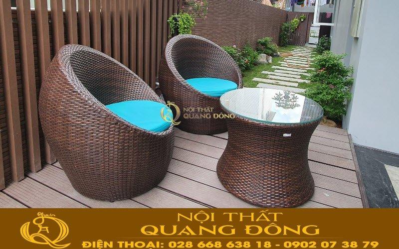 Bàn ghế sân vườn đẹp với mẫu ghế trứng mây nhựa
