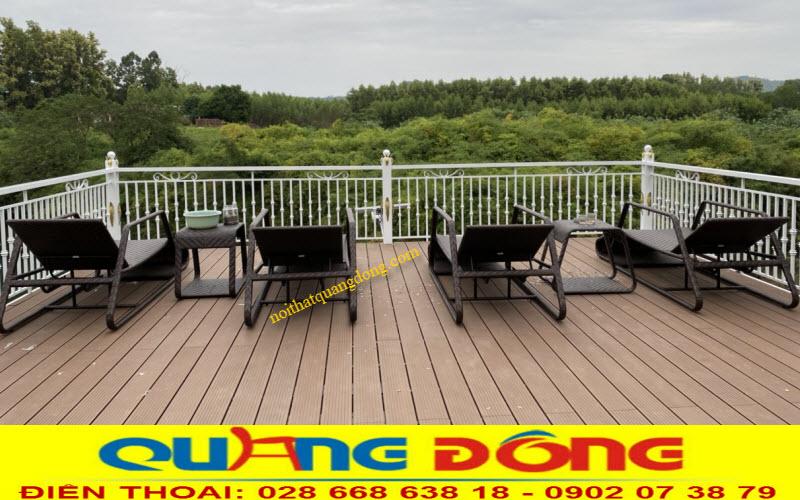 Chi tiết thang nâng hạ mẫu ghế nằm hồ bơi giả mây QD-591