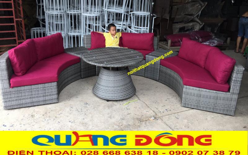 Một dáng tạo hình khác của sofa QD-605 tại xưởng Quang Đông