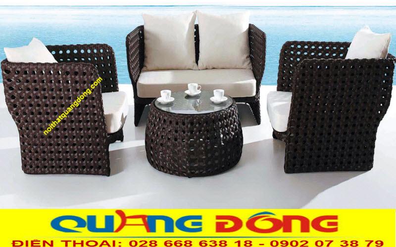 Mẫu sofa bằng nhựa giả mây QD-632 được sản xuất bởi nội thất Quang Đông