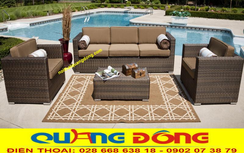 Mẫu sofa mây nhựa QD-646 được đặt tại sân vườn sang chảnh cho mọi góc nhìn