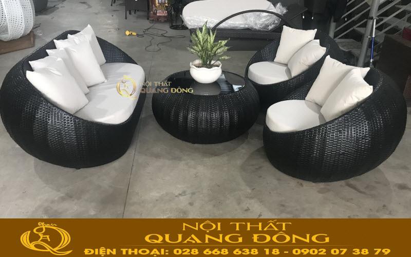 Sofa giả mây QD-653 màu đen, nệm trắng được nghiệm thu tại xưởng Quang Đông